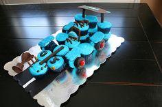 Go-Kart Cupcake Cake 11th Birthday, Birthday Cakes, Birthday Parties, Go Kart Party, Cupcake Cakes, Cupcakes, Party Themes, Party Ideas, Golf Carts