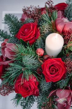 Christmas Classes at the McQueens Flower School in London
