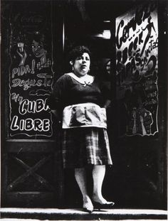 vintage everyday: 30 Amazing Photographs Portrayal Everyday Life in the Red-light District of Barcelona from between the and Old Pictures, Old Photos, Antique Photos, Alberto Garcia, Barcelona City, Red Light District, Street Portrait, Working People, Great Photographers