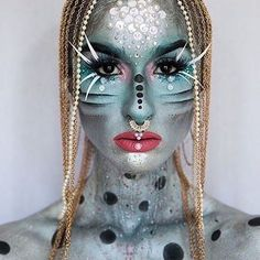 We adore this look by #mehrongirl @makeup_by_rups 💙 using silver metallic powder and paradise paint 🙌 #mehron #mehronmakeup #creativemakeup #sfxmakeup #sfx #mehronuk #mua #makeupartist #wakeupandmakeup #makeupjunkie