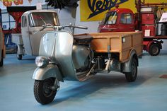 PIAGGIO MUSEUM tells the #history of #products that represent excellence in #creativity and technological competence, while exalting the entrepreneurial capabilities of the people who designed and produced them. #Piaggio #Ape Cassone (#cargo bed) commercial #vehicle in #Piaggio #Museum Pontedera #Tuscany #Italy