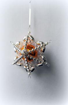 Vánoční+ozdoba+z+foukaných+perel+Retro+hvězda+-+středová+perla+průměru+30+mm