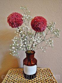 Pom Pom Tree, Pom Pom Flowers, Fabric Flowers, Tshirt Garn, Diy Furniture Flip, Pom Pom Decorations, Pom Pom Crafts, Arts And Crafts, Diy Crafts