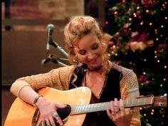 Friends Phoebe, Friends Moments, Friends Tv Show, Ross Geller, Phoebe Buffay, Friends Season, Friend Memes, Rachel Green, Archetypes
