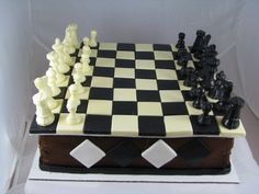Chess Cake - pinner said I made this cake for my husband's birthday. The idea actually came to me in a dream! I made the chess pieces and board out of white chocolate (husband's favorite) and black candy melts. Cake was WASC and cookies and cream filling. Birthday Cake For Husband, Birthday Board, Chess Cake, Video Game Cakes, Poker Cake, Pinterest Cake, Cake Craft, Cake Games, Unique Cakes
