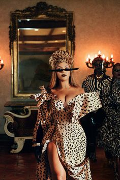 Rihanna Outfits, Fashion Weeks, Cover Shoot, Divas, Afro, Vintage Outfits, Beyonce Style, Beyonce Beyonce, Beyonce Knowles Carter