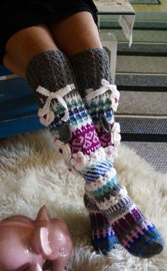Crochet Boot Socks, Wool Socks, Knitting Socks, Hand Knitting, Knitting Patterns, Knit Crochet, Thick Tights, Thick Socks, Crochet Hand Warmers