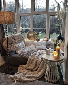 Cozy Living Rooms, Home And Living, Living Spaces, Dog Spaces, Modern Living, Cozy Reading Rooms, Modern Sofa, Cozy Reading Corners, Small Living