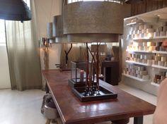 Een kijkje achter de schermen bij onze leverancier van de handgemaakte lampenkappen van DURAN Lighting in Haren Gelderland.