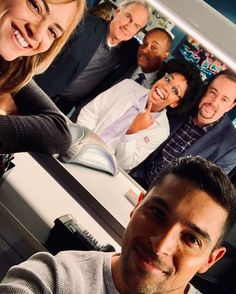 I can't handle this right now, why did Abby have to leave? Serie Ncis, Ncis Tv Series, Leroy Jethro Gibbs, Gibbs Ncis, Sean Murray, Ncis Cast, Wilmer Valderrama, Ncis New, Michael Weatherly