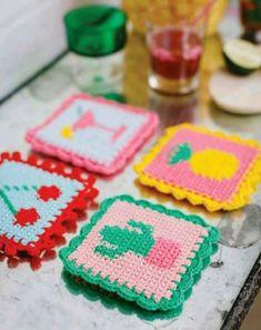 Crochet Winter, Crochet Home, Diy Crochet, Crochet Coaster Pattern, Crochet Patterns, Handmade Crafts, Diy And Crafts, Tea Coaster, Crochet Potholders
