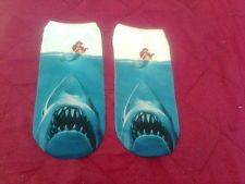 chaussettes / socks taille 36 à 39 jaws dents de la mer + la petite sirène