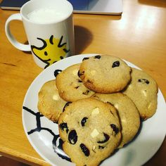 Chocolate Chips Cookie with Cranberry