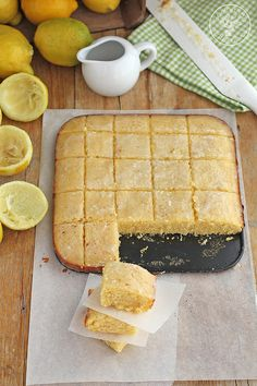 Blondies de limon www.cocinandoentreolivos.com (15) Yummy Treats, Sweet Treats, Yummy Food, Sweet Recipes, Cake Recipes, Sweet Bar, Pan Dulce, Bread Cake, Food Cakes