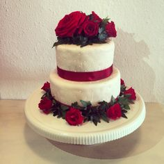 First wedding cake :) gluten free, red roses & ivy