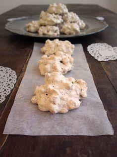 italian recipes in italian Italian Biscuits, Italian Cookies, Italian Desserts, Italian Recipes, Cookie Desserts, Vegan Desserts, Cookie Recipes, Dessert Recipes, Biscotti Cookies