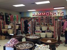 Hammonds Candy Tour, a great and free thing to do with kids in Denver.