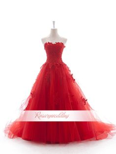 I love the shape of this dress
