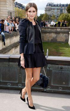 De+negro,+falda+y+campera+con+corte+péplum.+