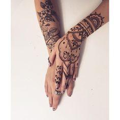 Floral #tattoo + oriental #henna glove = LOVE #Veronicalilu… by @veronicalilu - Square Pics
