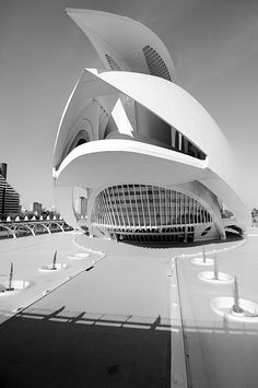 Futuristic Architecture, Palais Des Arts, photography by Tristan Robert-delrocq. In Construction. Palais Des Arts, photography by Tristan Robert-delrocq. Image #257401