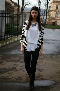 Bell Sleeves, Bell Sleeve Top, Printed Blazer, Forever21, Zara, Ruffle Blouse, Profile, Trends, Blog