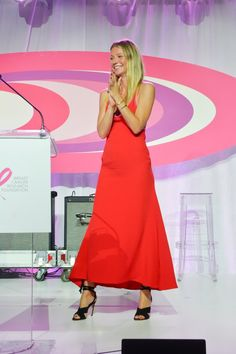 Pin for Later: Once Gwyneth Paltrow Turns to the Side, You'll See What's So Hot About Her Dress