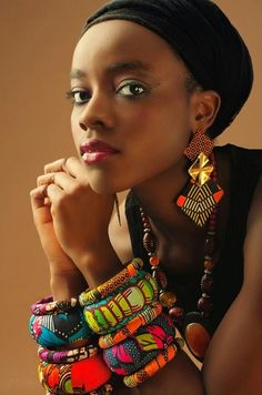 "Prints are never going to go out of style and a great way to incorporate them into your wardrobe is to use African prints! Here are a bunch of ways to rock African fabric (also called ""ankara"", ""ke… African Accessories, African Jewelry, Ethnic Jewelry, Fashion Accessories, Jewellery, African Bracelets, African Earrings, African Dresses For Women, African Attire"