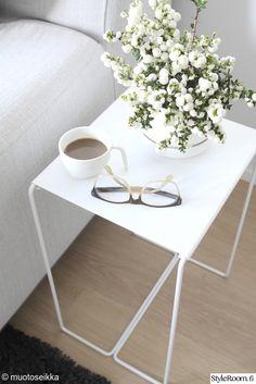 olohuone,sivupöytä,sohvapöytä