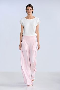 Spring / Summer 2014 | Alberta Ferretti I love this look. Simple and pretty. I love the flow of it!