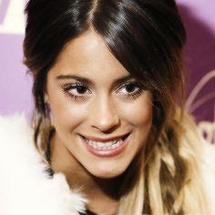 Tini en una entrevista después de saludar a Madrid antes del ViolettaLive