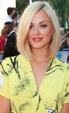 Long bob hairstyles for thick hair. Long bob hairstyles with side bangs. Long bob hairstyles for round face. Celebrity Hairstyles, Hairstyles Haircuts, Pretty Hairstyles, Style Hairstyle, Hairstyle Ideas, Blonde Hairstyles, Short Haircuts, Over 40 Hairstyles, Braid Hairstyles