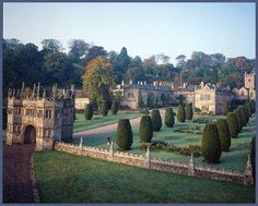 A guide to the most popular places to visit in Cornwall - Lanhydrock House the grandest and most popular stately home in Cornwall situated near Bodmin Cornwall England, Cornwall Beaches, Castle House, Grand Homes, Hotel Spa, Beautiful Buildings, British Isles, Travel Posters, Great Britain