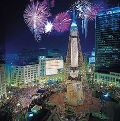 """Why I love the Indianapolis Circle of Lights:    a) beautiful  b) the only proper way to kick off the Christmas season  c) one of my first """"real"""" dates with Kevin  d) where we got engaged!"""