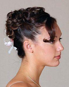 DIY Halloween Hair: DIY Halloween Hairstyles : Loose Curls Up Do
