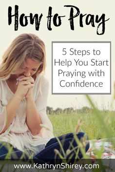 Want to know how to pray? Whether you're a new Christian or simply aren't comfortable with prayer, these 5 steps on how to pray for beginners will get you started praying with confidence. Free printable Lord's Prayer template to learn to pray as Jesus tau Prayer For Guidance, Power Of Prayer, Christian Prayers, Christian Faith, Christian Living, Christian Women, How To Pray Christian, Christian Shirts, Prayer Quotes