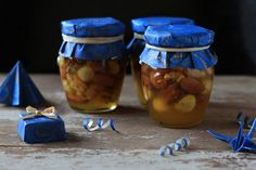 Nuts in Honey sweet Christmas gift Christmas Food Gifts, Christmas Jars, Christmas Baking, Homemade Food Gifts, Honey Recipes, Jar Gifts, Fruits And Veggies, Easy Meals, Cooking