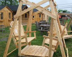 Cedar Old fashioned swing by Flamborough Patio Cedar Furniture, Outdoor Furniture, Outdoor Decor, Porch Swing, Patio, Projects, Home Decor, Log Projects, Blue Prints