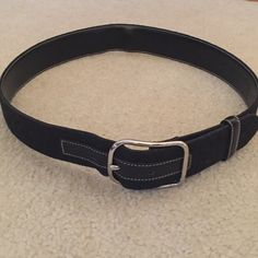 Authentic Coach Belt Size Medium Great condition! Versatile- can be dressed casual with jeans or dressed up with dress pants Coach Accessories Belts