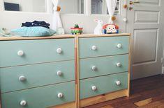 DIY: convenient rast ikea + painting + door buttons (see zara home & etsy) Big Girl Rooms, Boy Room, Zara Home, Hacks Ikea, Ikea Kids, Painted Doors, Furniture Makeover, Kids Bedroom, Painted Furniture