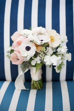 Gorgeous #bouquet! Perfect for #spring and #summer weddings {Petula Pea Photography}