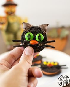Oreo Cat Cookies - These little cute kitties are easy to make and are the…