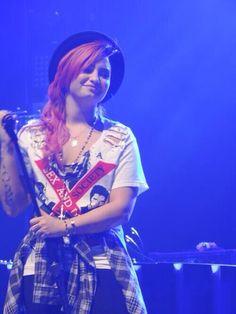 Demi Lovato ❤her hair here