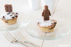Versier je chocola banaan muffins met chocolade poppetjes. Die maak je met de siliconen lego mallen van webshop Hello Lunch. In het artikel op www.moodkids.nl vind je meer leuke ideeën. Wat dacht je van gezonde fruit snoepjes?