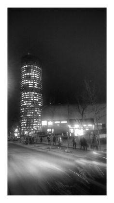 Bucureşti în România Bucharest, Skyscraper, Multi Story Building, Architecture, City, Awesome, Beautiful, Arquitetura, Skyscrapers