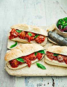 Try our turkey meatball sandwich recipe. This easy meatball sub recipe is an easy meatball sandwich recipe with turkey. Make our easy turkey meatball recipe Meatball Sub Recipe, Meatball Subs, Meatball Recipes, Hamburgers, Easy Turkey Meatballs, Hot Dogs, Turkey Mince, Quick Recipes, Popular Recipes