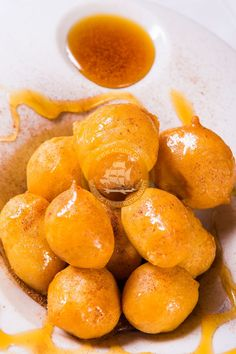 Λουκουμαδες με πατατες, ουζο και μελι