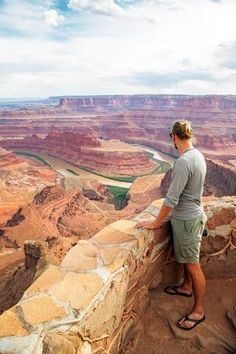 Incredible views at Dead Horse Point State Park along the Dead Horse Mesa Scenic…