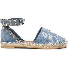 Valentino Embroidered Butterfly Denim Espadrilles (326.940 CLP) ❤ liked on Polyvore featuring shoes, sandals, flats, espadrilles, chaussures, valentino sandals, platform sandals, valentino shoes, platform flats and wrap sandals