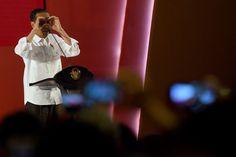 JAKARTA , 24 Oct 2017-Presiden Joko Widodo mengaku mengikuti perubahan-perubahan global yang sekarang ini sudah sangat cepat. Namun itu tidak mudah dilakukan karena masalah regulasi. Ia menjelaskan…